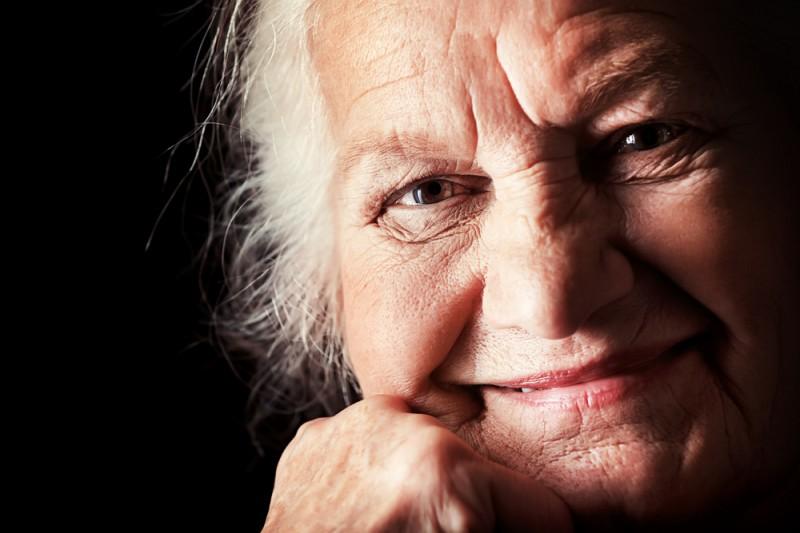 Lachfalten oder Altersrunzeln?